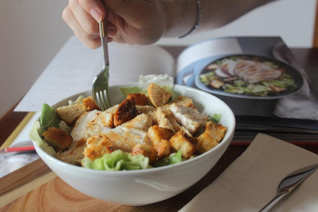 caesar salad col pollo