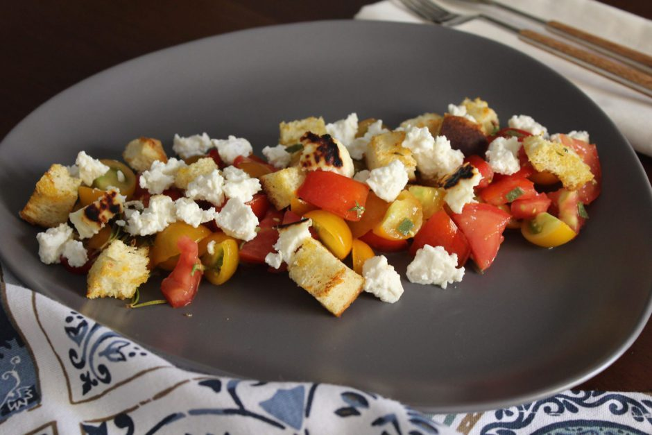 Insalata di pomodori misti e ricotta al forno