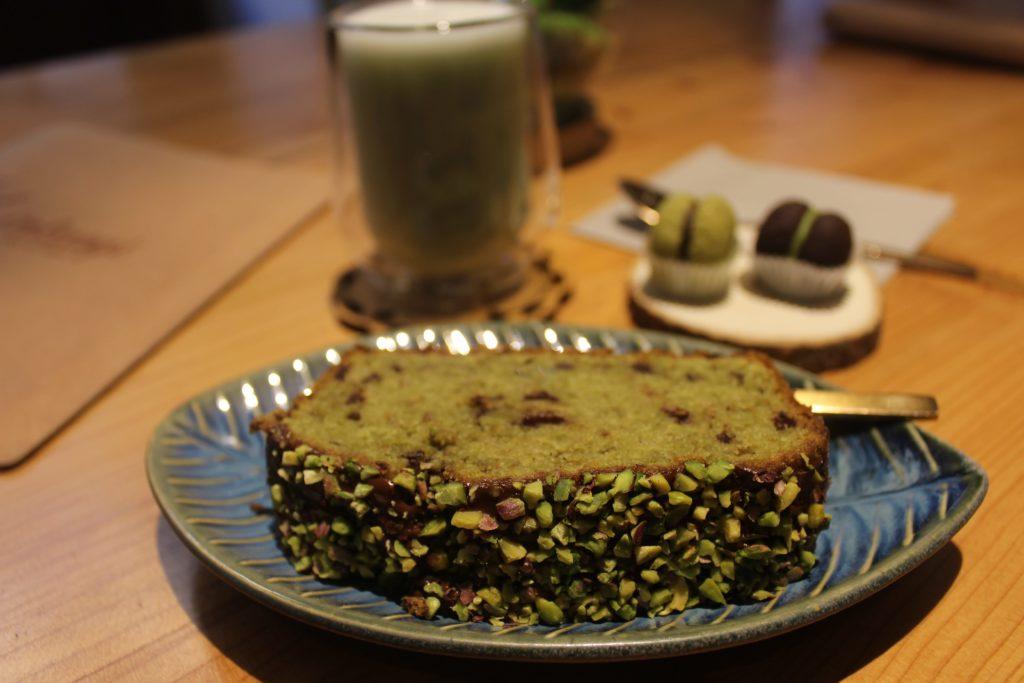 vegan cake kintsugi