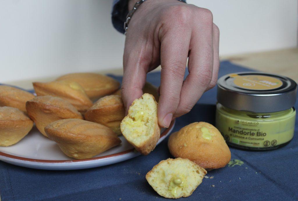 madeleine con crema di mandorle e limone