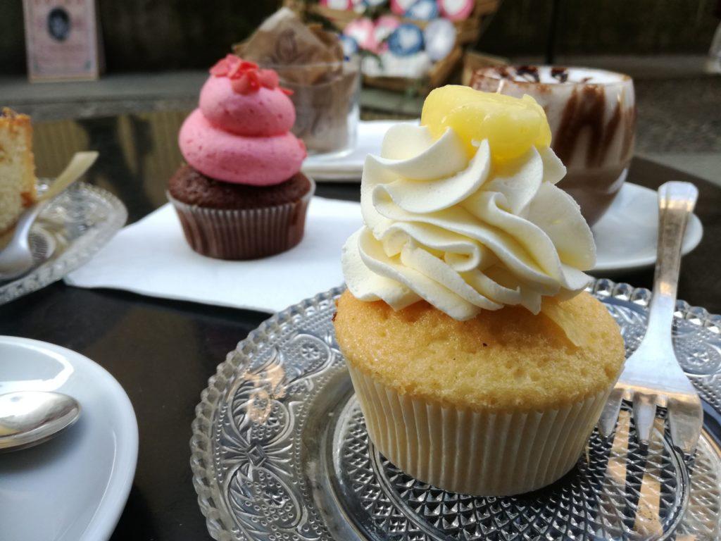 cupcake al lemon curd