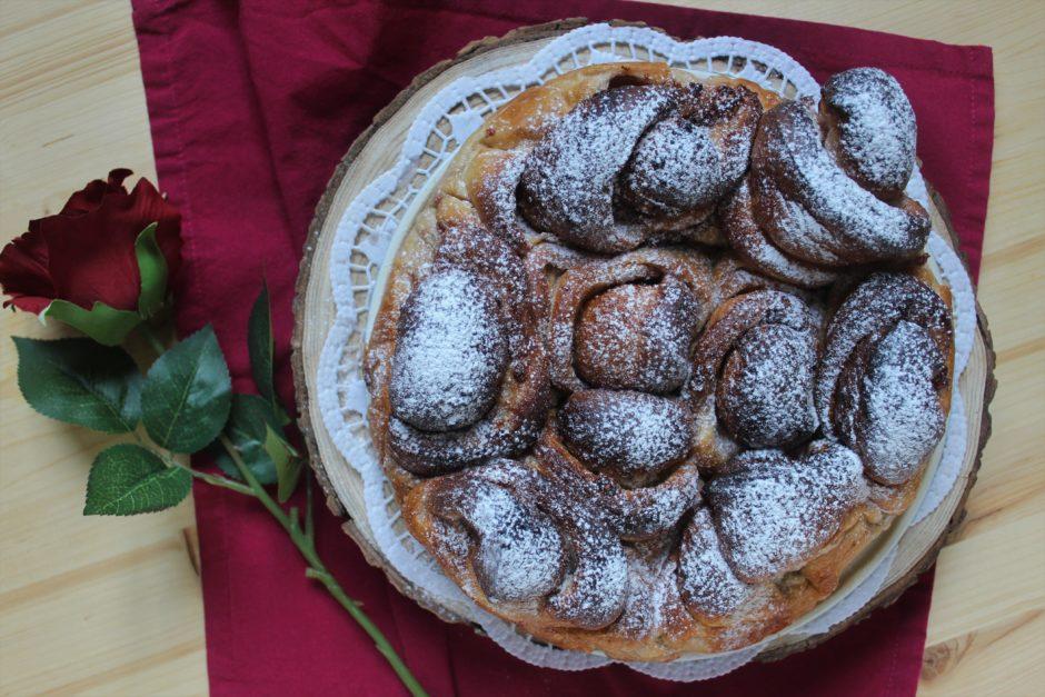 torta di rose ai lamponi