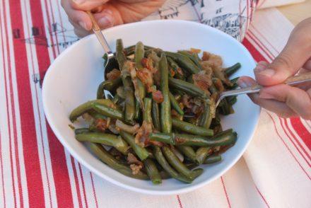 insalata di fagiolini con bacon e scalogno