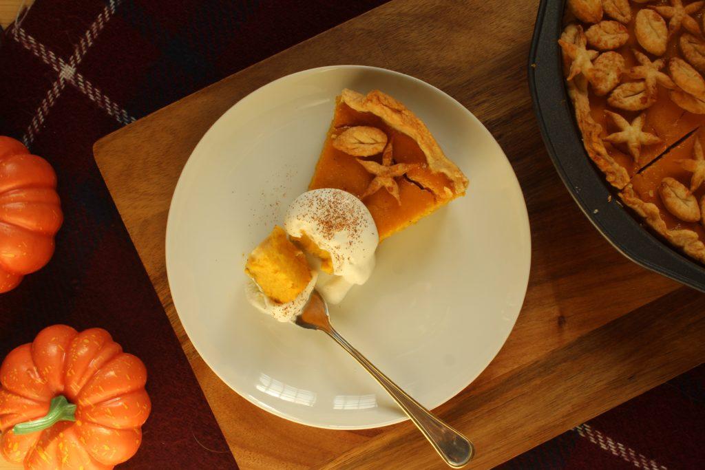 fetta di pumpkin pie