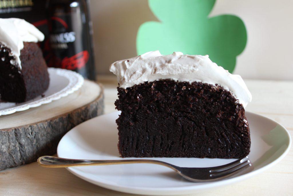fetta di guinness cake irlandese
